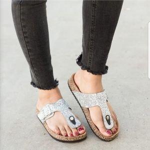 Forever Womens Glitter Gold Sandals
